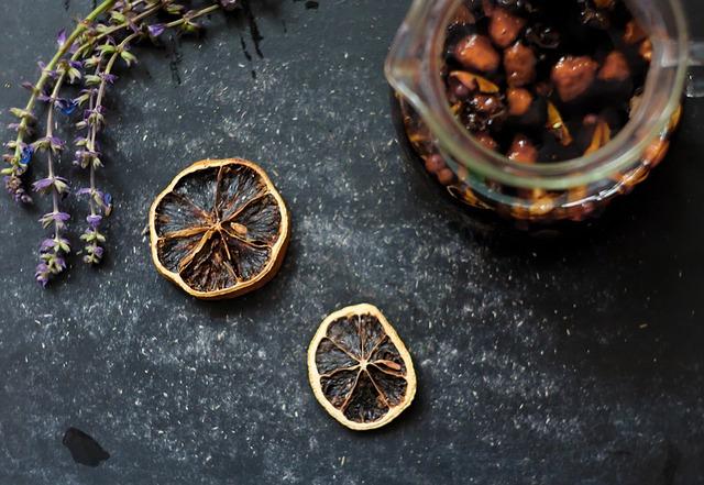 sušené ovoce a levandule