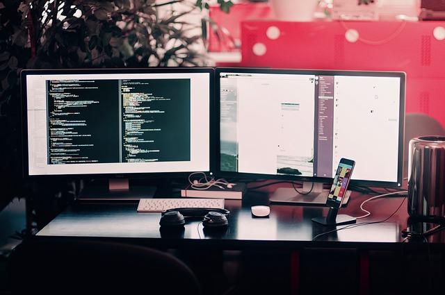 stůl programátora.jpg