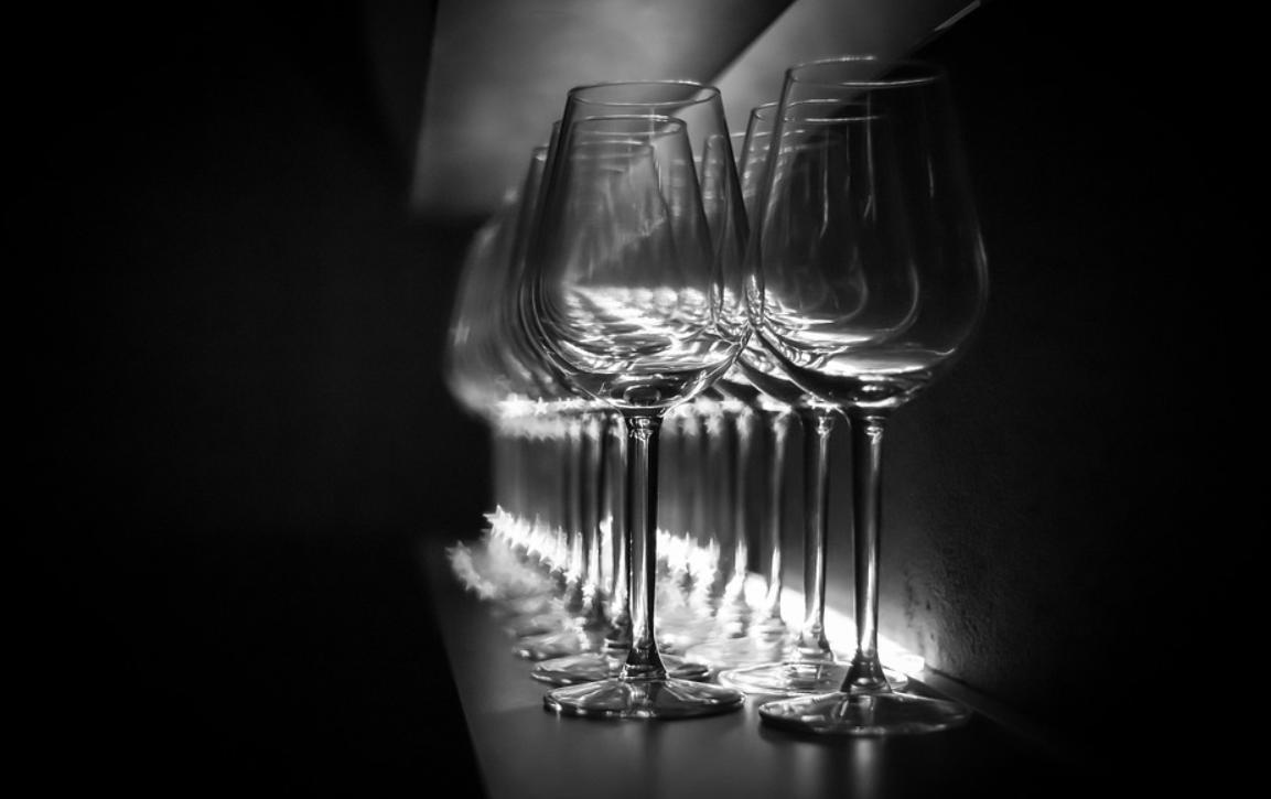 průsvitné sklenice